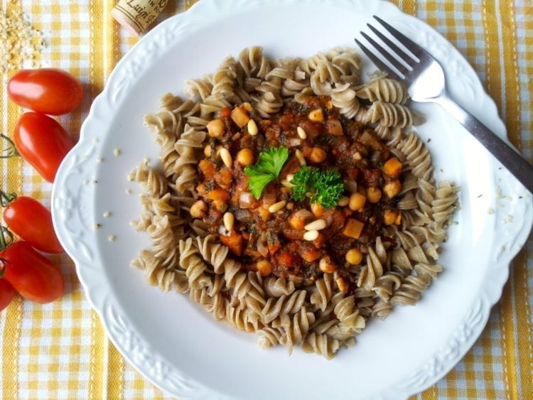 Hemp Pasta with Spinach-Tomato Sauce and Chickpeas