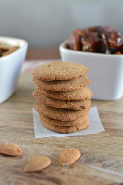 gingerbread cookies, plant-based, sugar-free, recipe