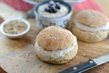Spelt Buns with Cashew-Raw Buckwheat Cream