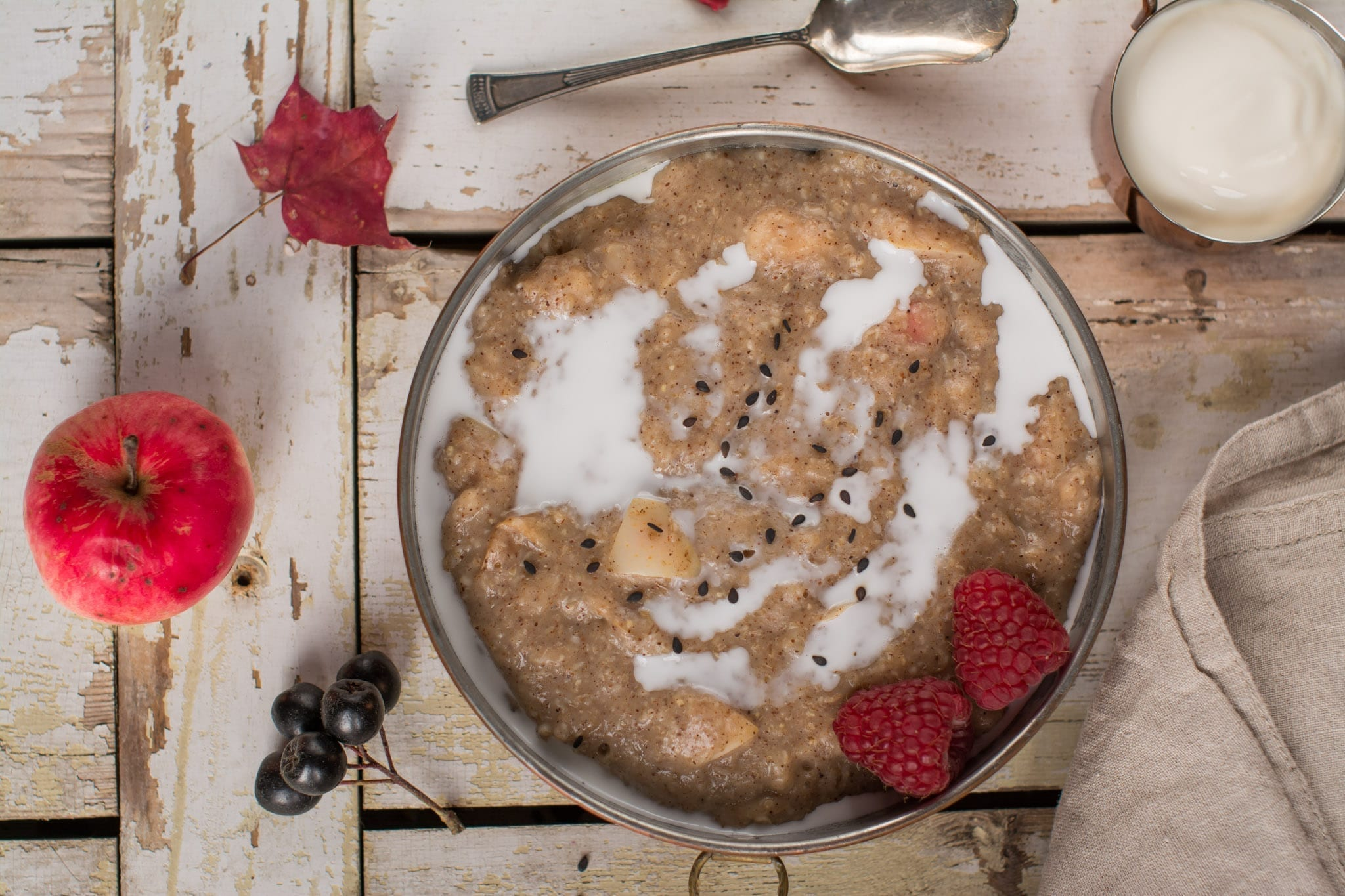 vegan Candida diet meal plan apple-cinnamon porridge