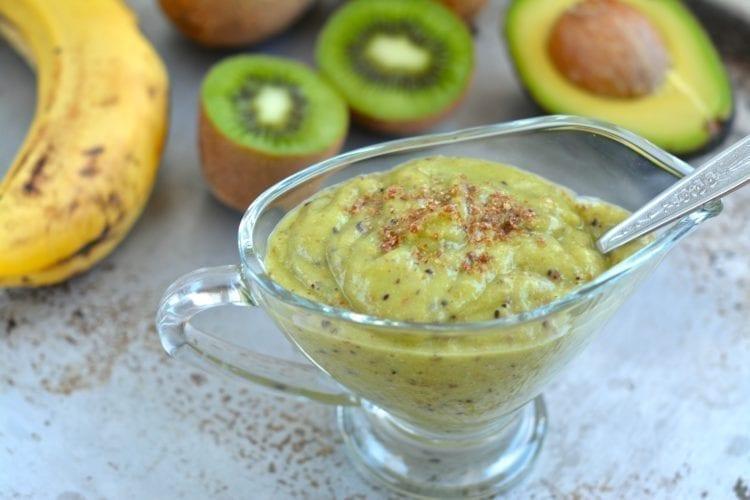 Creamy Kiwi-Avocado Smoothie
