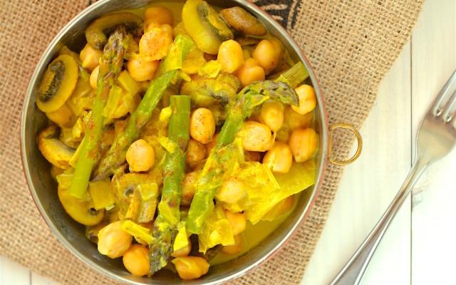 Asparagus-Mushroom Curry with Chickpeas