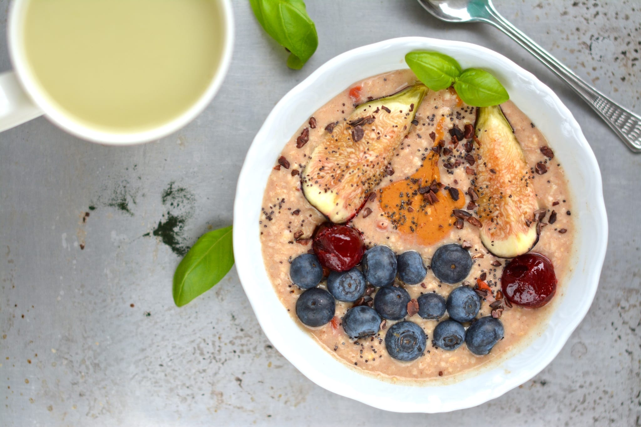 Oatmeal, Cinnamon-Figs-Goji Berries-Peanut Butter-Blueberries