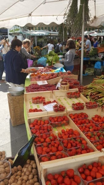 Farmer's market in Lyon