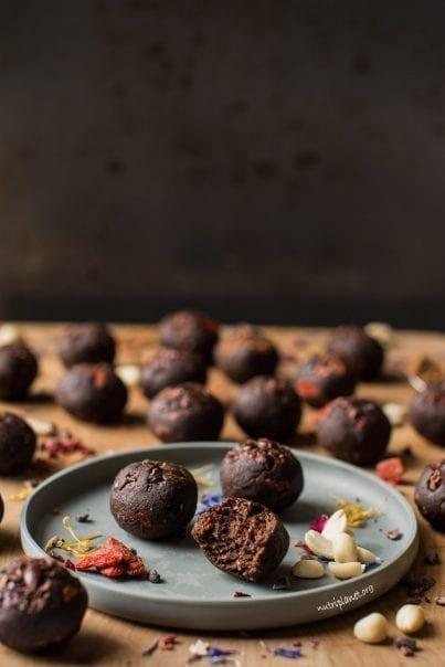 Vegan Peanut Butter Protein Balls