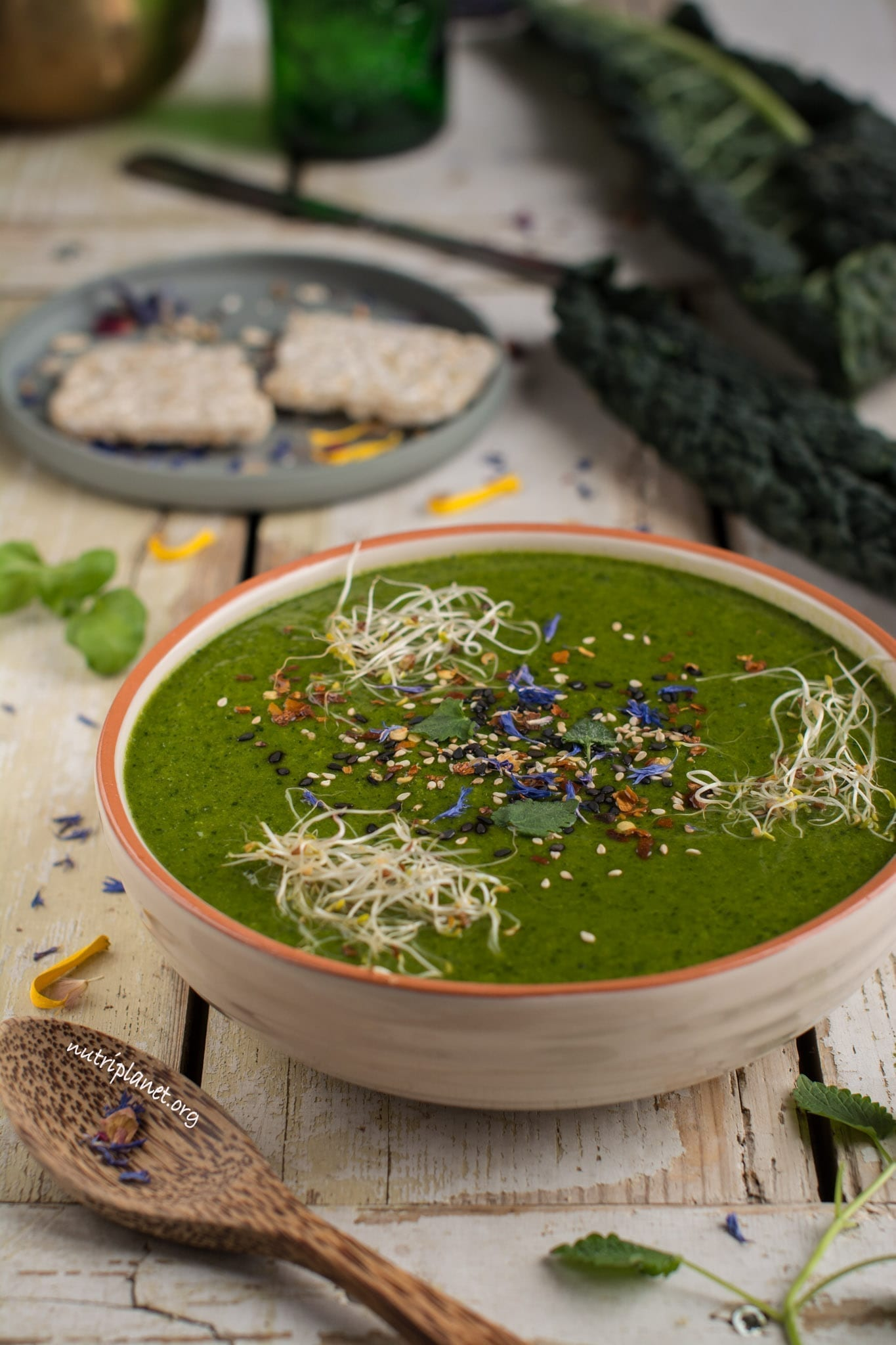 Creamy Vegan Soup with Peas, Broccoli and Kale