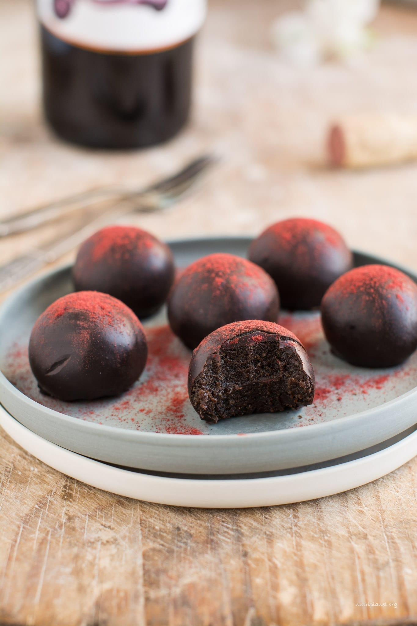 Vegan Chocolate Truffles with Red Wine
