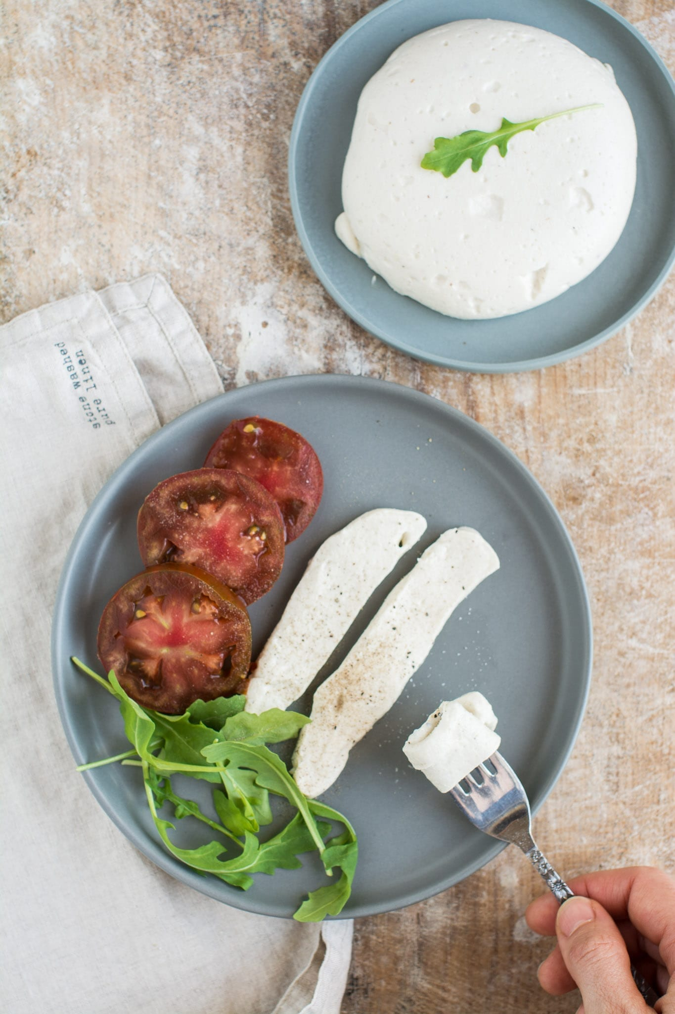 Cashew based vegan mozzarella cheese recipe that is oil-free and gluten-free yet so creamy, soft and tasty.